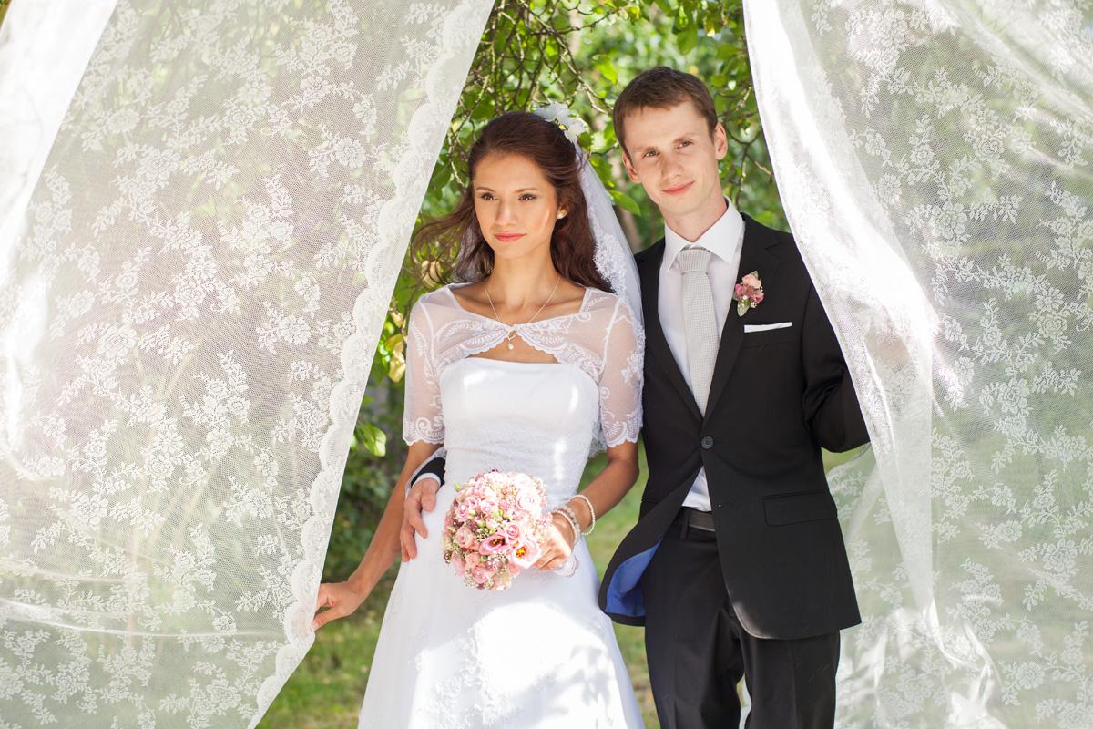 Charmant Brautkleid Muster Zu Nähen Fotos - Brautkleider Ideen ...